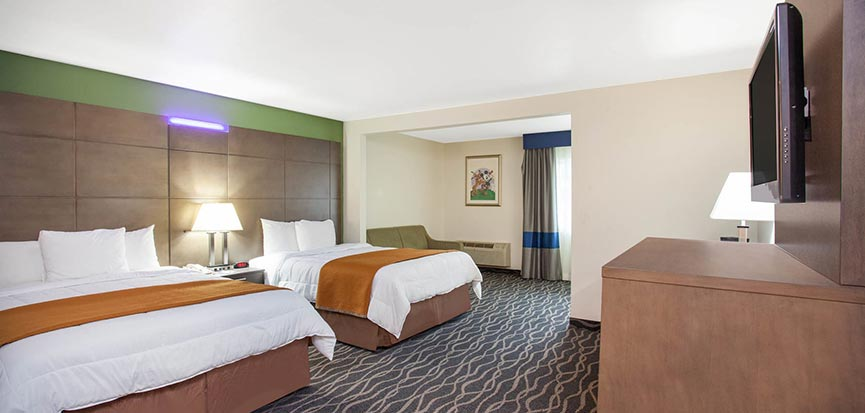Travelodge Anaheim Inn & Suites California Double Queen Size Beds Mini Suite