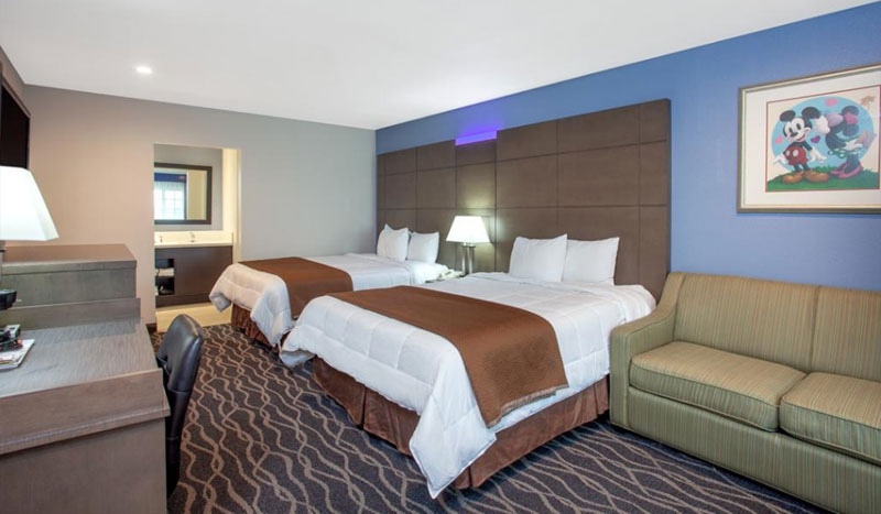 Double Queen Size With Sofa Bed of Travelodge Anaheim Inn & Suites California